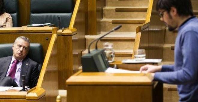 Iñigo Urkullu escucha una intervención parlamentaria en la Cámara vasca. EFE/Archivo