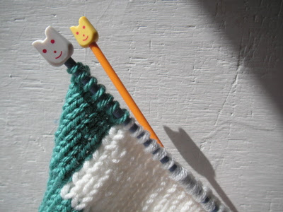 I'm knitting something new!