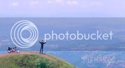 http://i298.photobucket.com/albums/mm253/blogspot_images/Gumnaam/PDVD_038.jpg