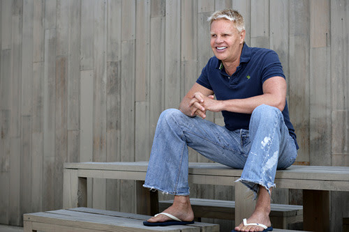 Mike Jeffries, CEO of Abercrombie & Fitch, i.e., the SCARY and REAL face of A&F. Don't you think he's sexy?