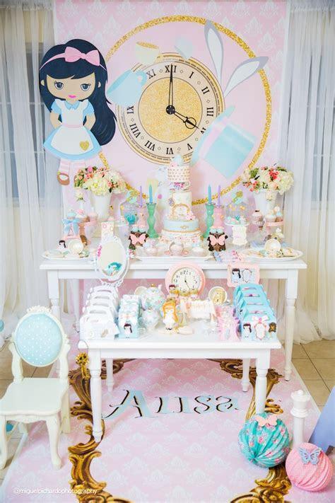 Kara's Party Ideas Pastel Glam Alice in Wonderland
