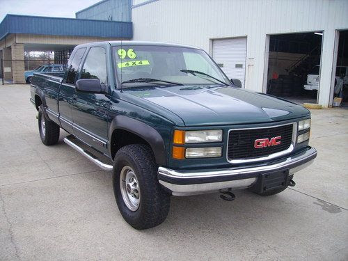 Sell used 1996 GMC/Chevy 2500 SLT 5.7 Liter V8 4X4 Only ...
