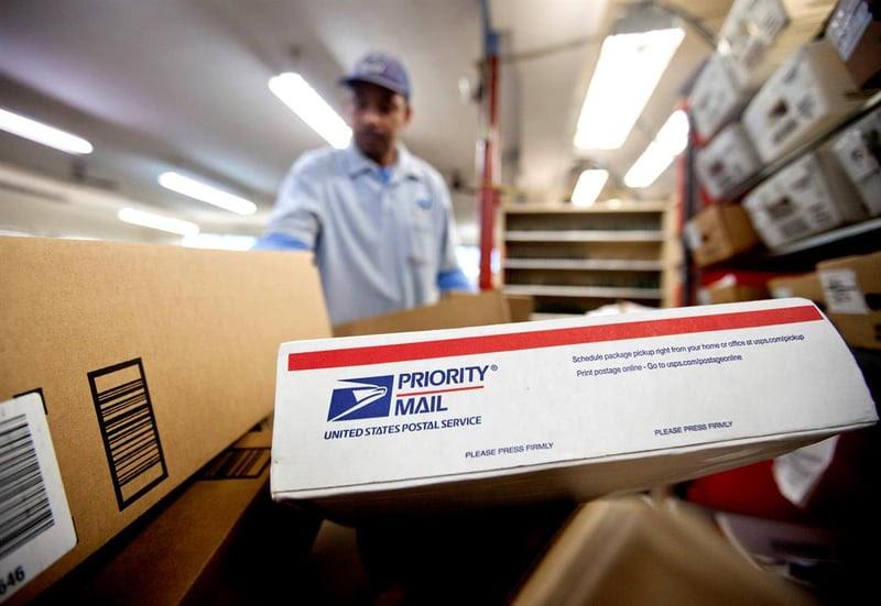 Trump Convenes Task Force To Study Us Postal Service Cbs News 8