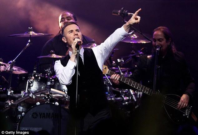 Going solo: Gary Barlow realizou seu primeiro de dois shows no Royal Albert Hall na noite de segunda-feira para arrecadar fundos para Confiança do príncipe