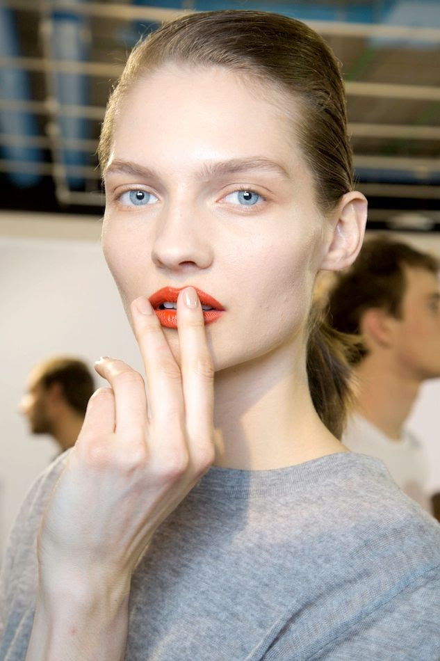 Le Fashion Blog Spring Beauty Orange Lipstick Nude Nails Grey Knit Acne FW 2015 Backstage photo Le-Fashion-Blog-Spring-Beauty-Orange-Lipstick-Nude-Nails-Grey-Knit-Acne-FW-2015-Backstage.jpg