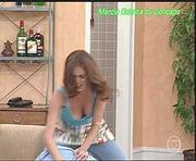 Marcia Cabrita super sensual na serie Sai Baixo