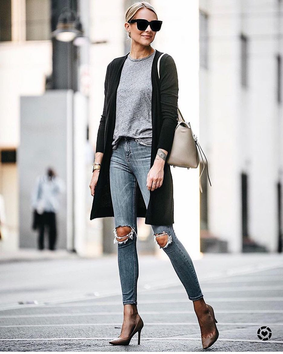 New York Spring Outfit Idea: Long Cardigan, Grey Top And Knee