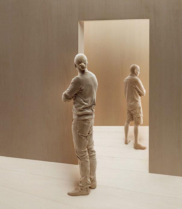 esculturas-madera-realistas-peter-demetz (7)
