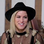 Fyi, Cassade Pope Isn't All Sugar, Spice And Everything Nice - Taste Of Country