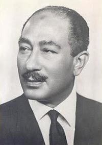 Il successore di Nasser, Anwar el-Sadat.