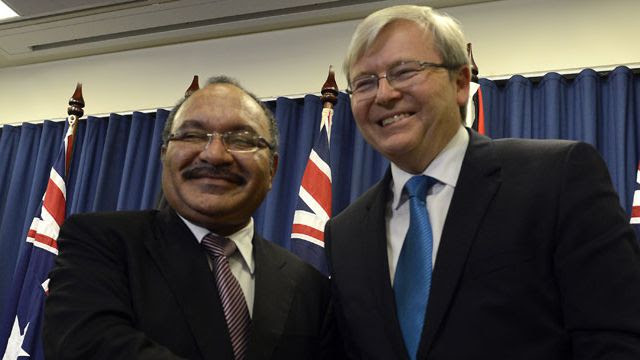 Papua New Guinea Prime Minister Peter O'Neill with Australian PM Kevin Rudd. (AAP)