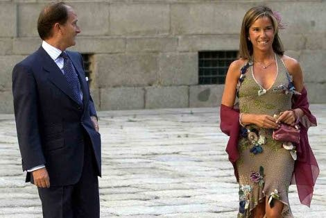 Ana Mato y Jesús Sepúlveda en la boda de la hija de Aznar.