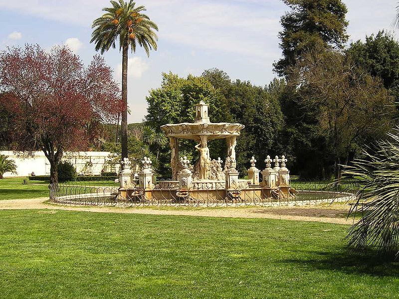 File:Villa Doria Pamphili fontana di fronte alla villa.JPG