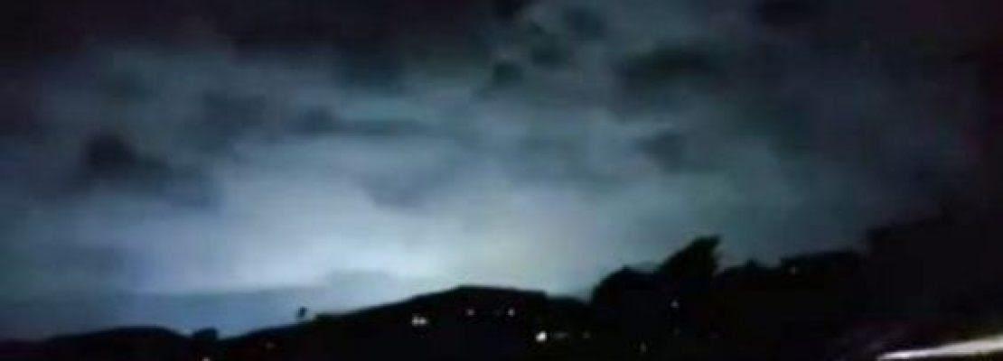 Παράξενες λάμψεις πάνω από τη Νέα Ζηλανδία κατά την διάρκεια του τρομακτικού σεισμού