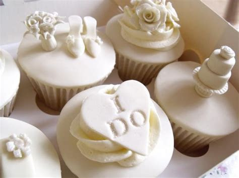 """I Do"" White Wedding Cupcakes « GoodCupcakes.com"