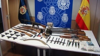 Tràfic il·lícit d'armes, quatre detinguts
