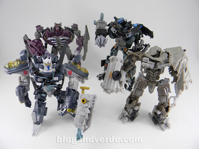 Transformers Skyhammer Voyager - Dark of the Moon - modo robot vs Shockwave vs Ironhide vs Megatron