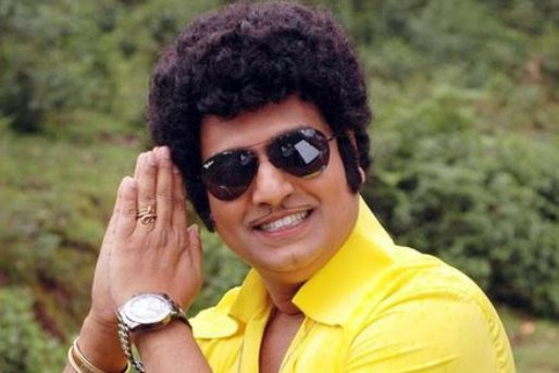Vivekh lands role in 'Jolly LLB' Tamil remake