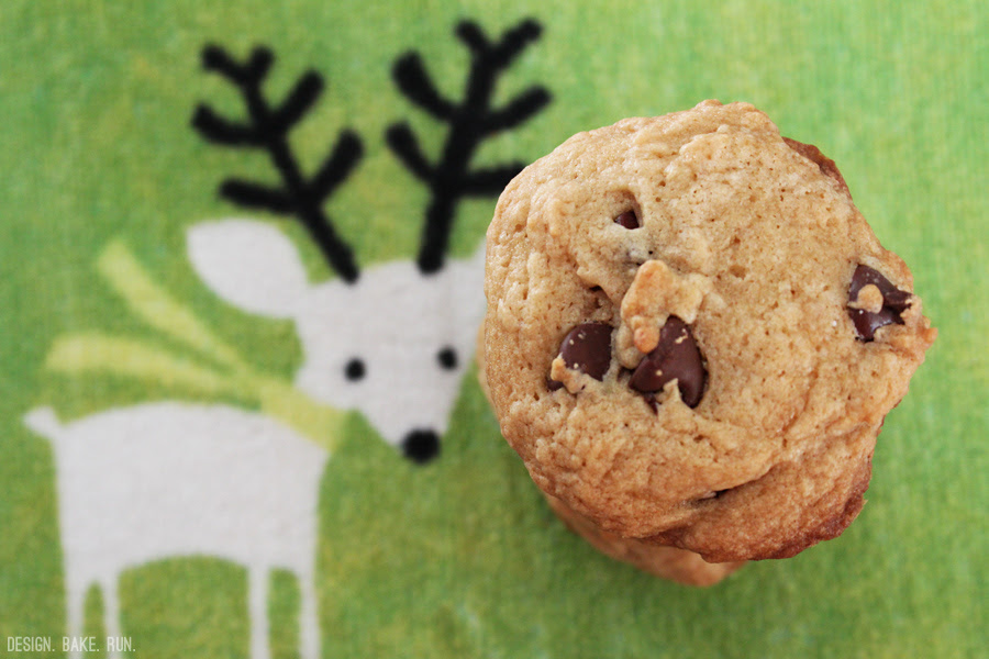 Soft Chocolate Chip Cookies via design. bake. run.