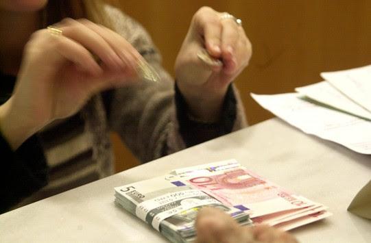 Κρήτη: Σοκ στο ταμείο της τράπεζας - Δεν πίστευε αυτά που άκουγε από τον υπάλληλο που είχε απέναντι!