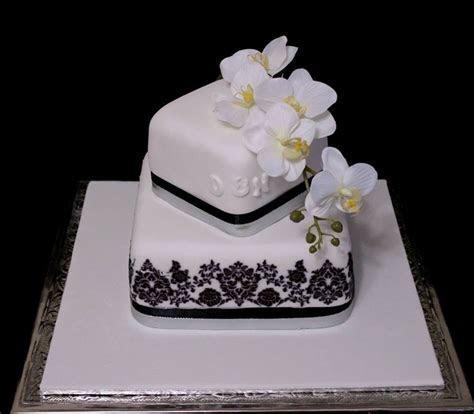 True Local: Brisbane Wedding Cakes Image   2 tier square