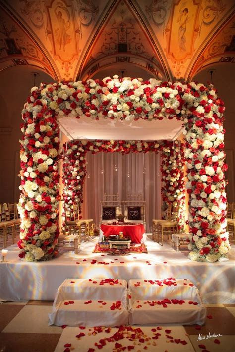 Jennifer J Events   amazing mandap, red white, indian