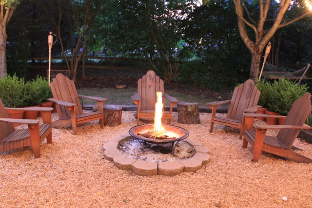 Back Yard Fire Pit Area Ideas