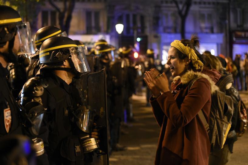 Alborotadores y policía complican la contestación del 15-M francés