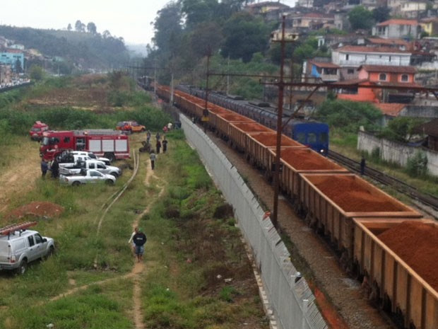 Trens colidiram próximo à Estação Franco da Rocha da Linha 7-Rubi da CPTM, na Grande SP (Foto: Márcio Pinho/G1)