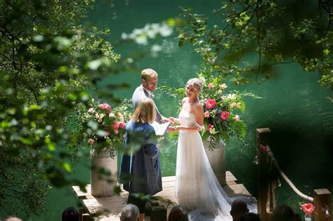 What is a wedding celebrant? And is the marriage legally