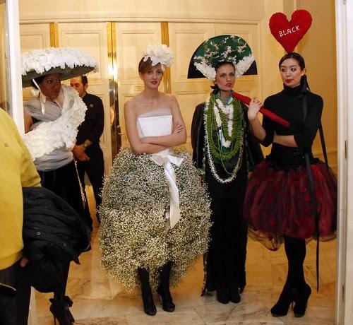 """Sorpresas florales efímeras en """"Sí, Carlton. Top Bodas 2012"""""""