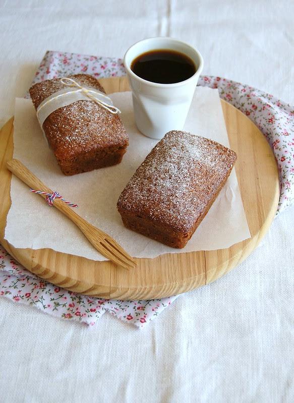 Spiced honey cakes / Bolinhos de mel e especiarias