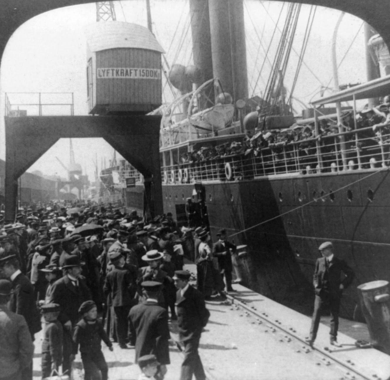 File:Farewell to home, Göteborg, 1905.jpg