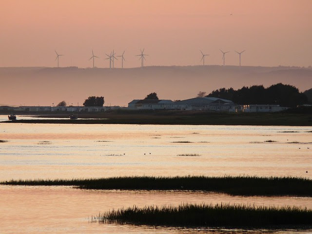 25094 - Sunset, Kidwelly Quay
