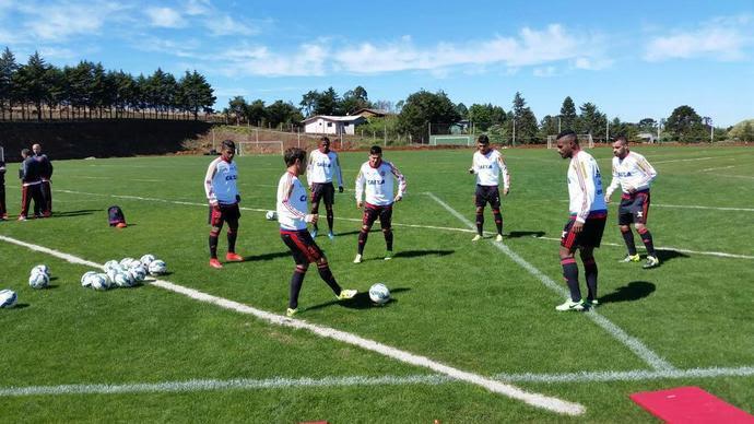 Parte dos jogadores do Flamengo treinou na manhã deste sábado no CT da Chape (Foto: Divulgação/Flamengo)