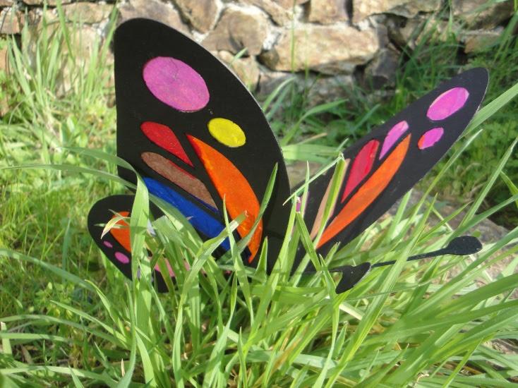 Papillon dans l'herbe
