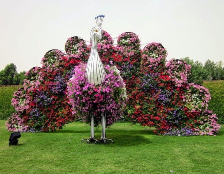 """Conoce el increíble """"Jardín Encantado"""", un oasis repleto de flores ..."""