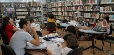A partir de 2016 a exigência de nota no Enem passará a valer para todos os casos / Foto: Renato Araujo / ABr