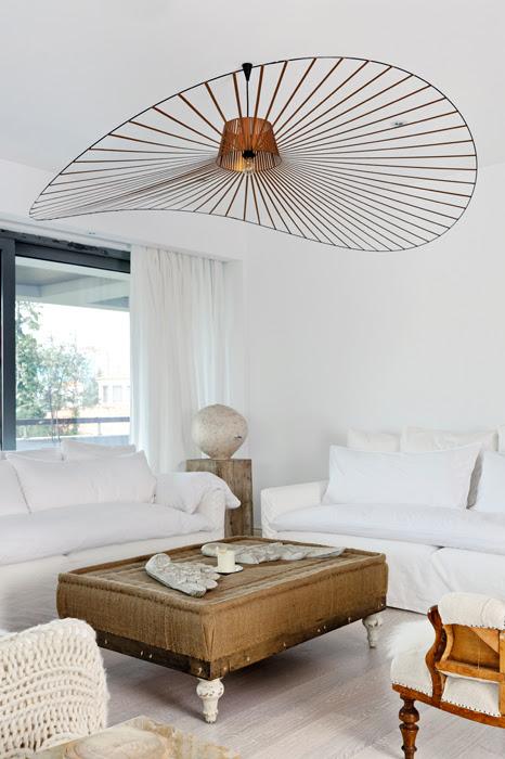 Anda Roman apartament designist full copyright rights 02 De ce e important să mizezi pe alb în decorul de acasă?