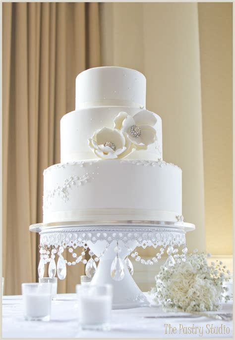 monogram wedding cakes   A Wedding Cake Blog