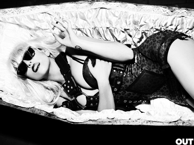 Gaga_intro
