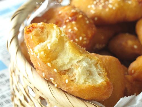 Ham Chim Peng(Chinese Doughnut) with glutinous rice & Nam Yue咸煎饼