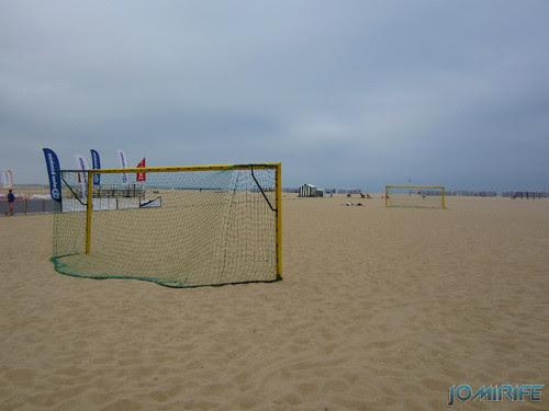 Campos de praia da Figueira da Foz / Buarcos #10 - Futebol na areia com balizas grandes (1) [en] Game fields on the beach of Figueira da Foz / Buarcos - Football in the sand with big goals