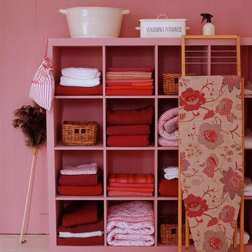Pink-Laundry-Room-Decor-Idea
