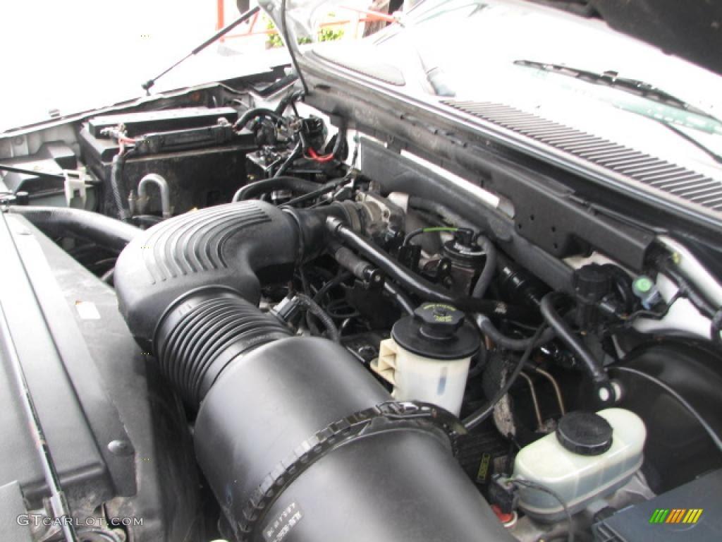 2001 Ford Expedition XLT 5.4 Liter SOHC 16-Valve Triton V8 ...