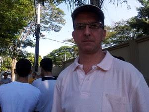 Silverlei Cequeira, 47 anos, assinou o contrato em 2009 e aguarda pela liberação das chaves morando com a mãe de aluguel (Foto: Anaísa Catucci/ G1)