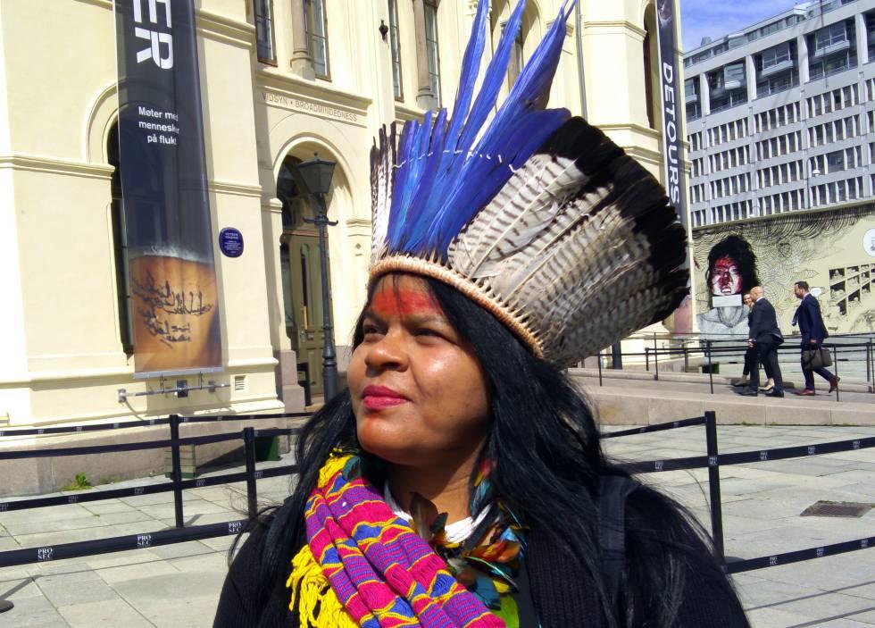 Sônia Guajajara, coordinadora nacional de la Aticulación de Pueblos Índigionas de Brasil (APIB)