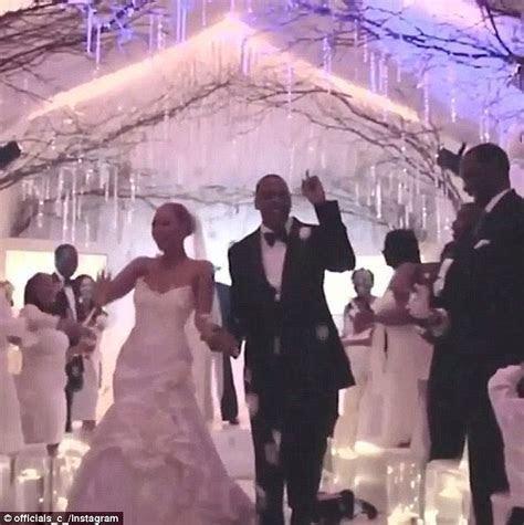 Beyonce shares wedding anniversary photos with husband Jay