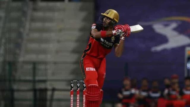 MI vs RCB, IPL 2020: देवदत्त के फिफ्टी के दम पर बेंगलुरु ने मुंबई को दिया 165 रनों का लक्ष्य