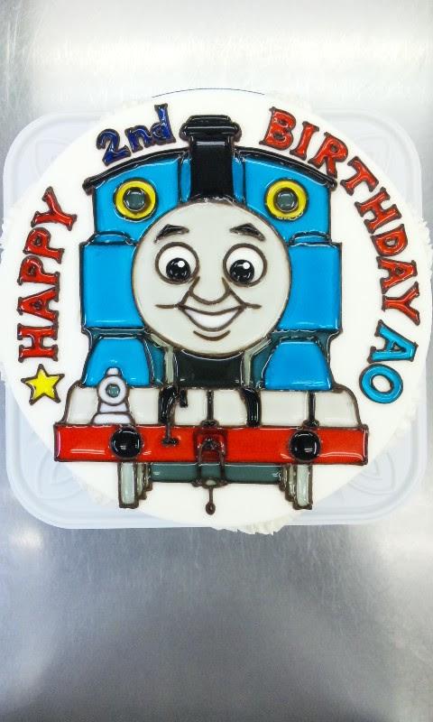 きかんしゃトーマス全身描きロゴ風メッセージ ケーキは